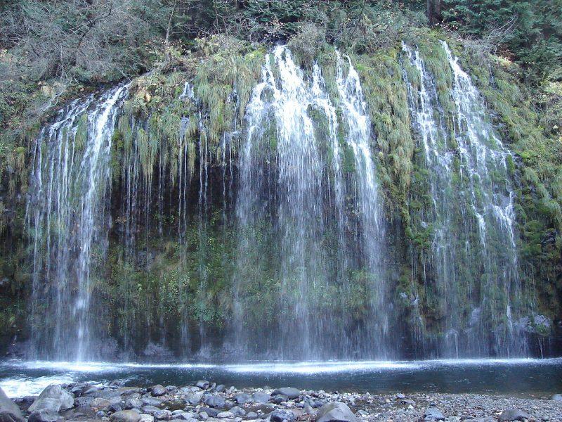 1280px-Mossbrae_falls