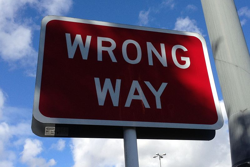 800px-Wrong_way_sign