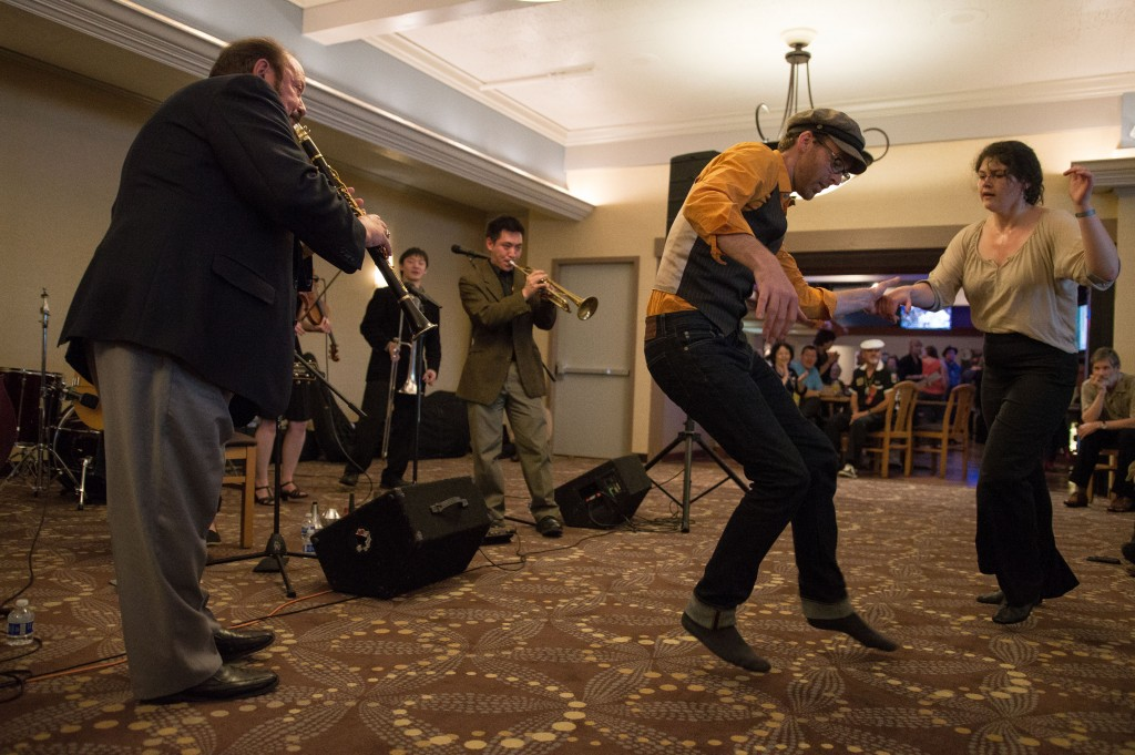 Bob Draga serenades the dancers at the Red Lion Hotel.
