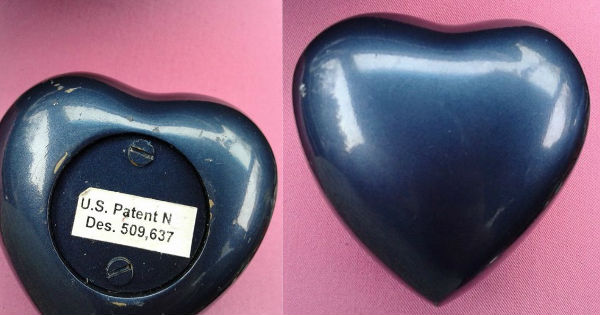 Heart shaped remembrance urn