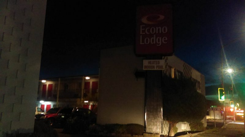 Econo lodge at night