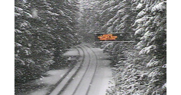 Winter WEather Conditions Caltrans traffic Cam Hwy 199