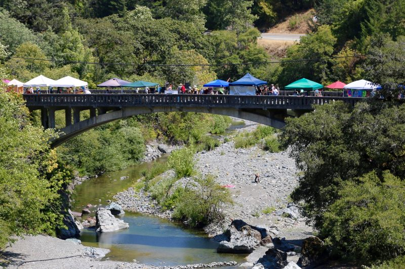 Vendors on Old Bridge at Bridgefest.