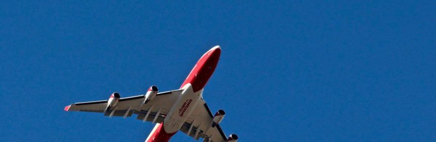 Supertanker over Potter Valley in Mendocino.