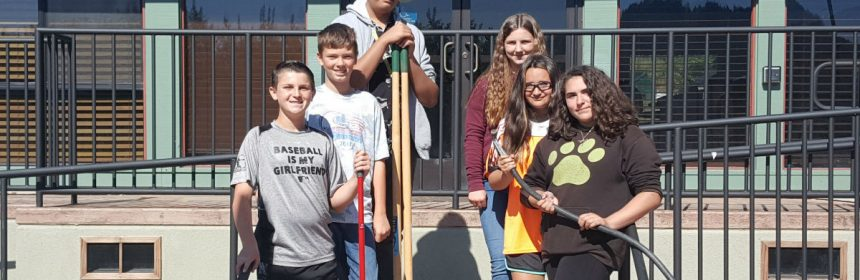 Six student leaders from the Student Council of Monument Middle School trekked to City Hall on Frida