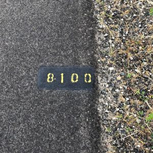 Hikshari' Trail markers