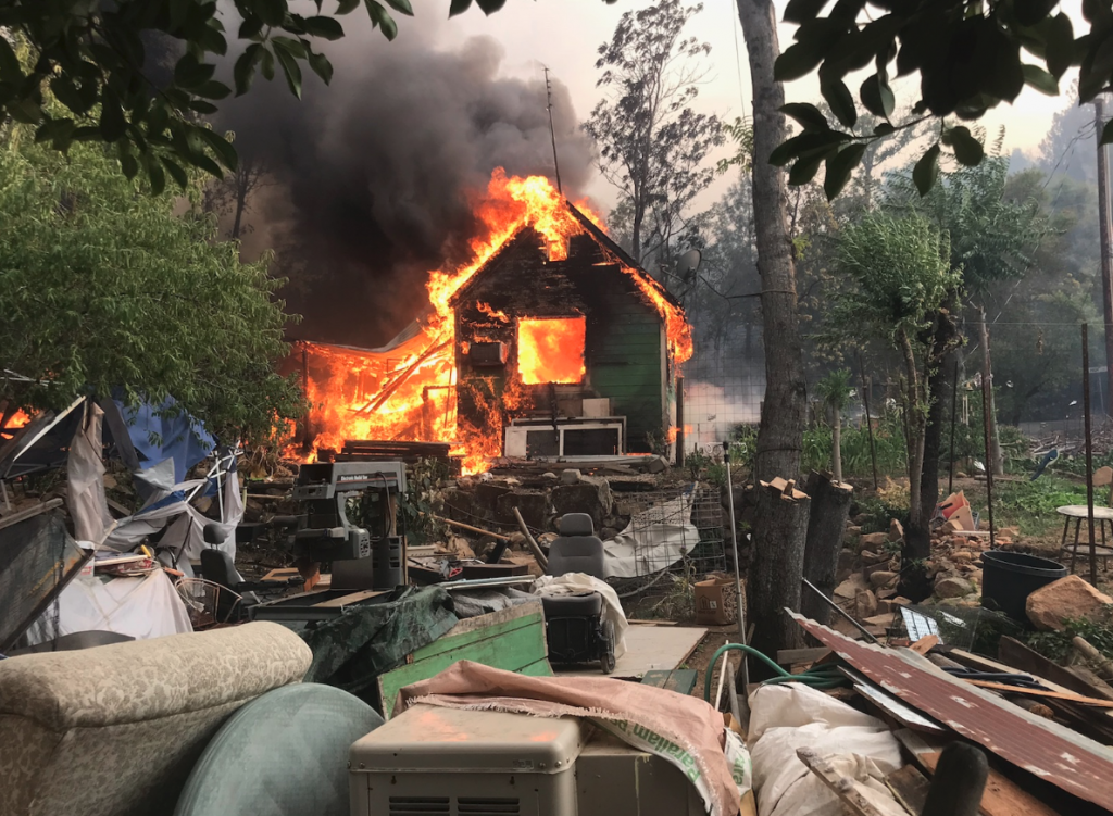 Building on fire near the town of Shasta yesterday afternoon.