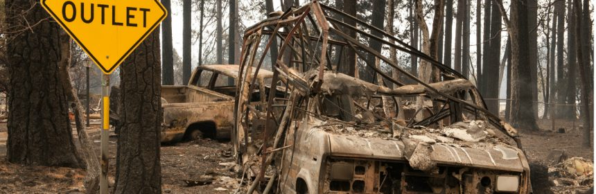 Burned out vehicles at the intersection of Elliot and Sawmill Roads in Paradise. [Photo by Mark McKenna]