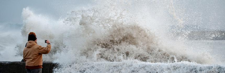 North Jetty storm surge. [Photo by Mark McKenna]