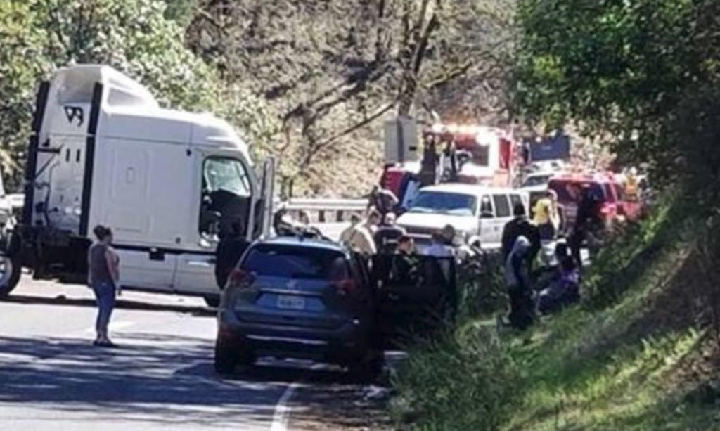 UPDATE Tuesday] Fatal Accident Closes Hwy 101 Between