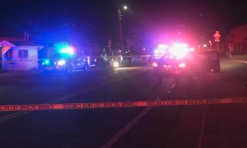 UPDATE] Witnesses Try to Save Dying Man After Two Shot in