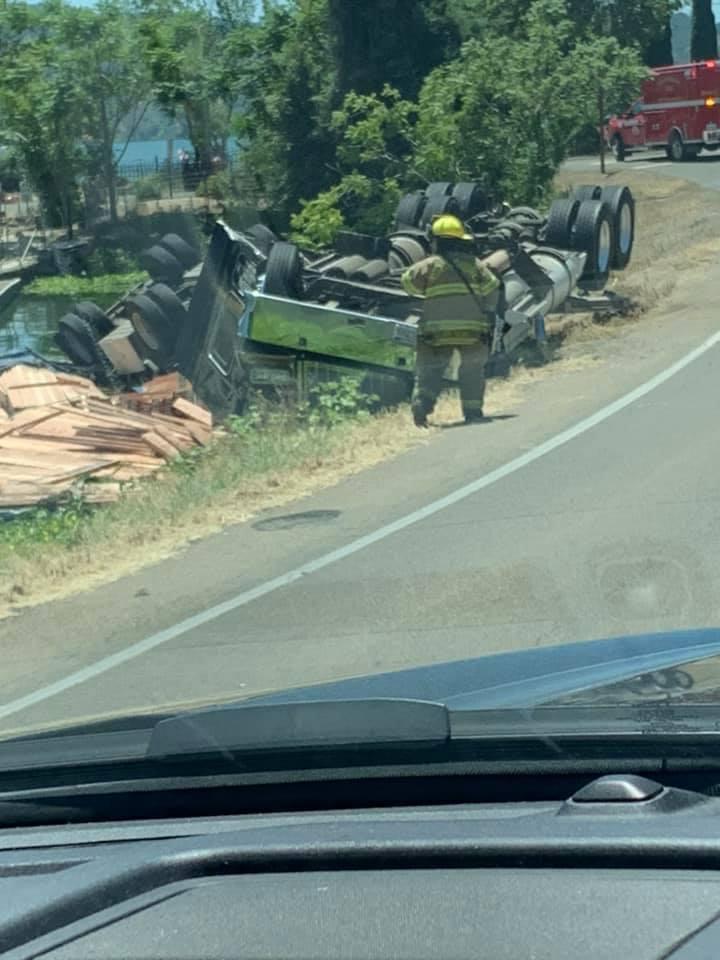 UPDATE 4:42 p m ] Semi Upside Down In Clear Lake, Traffic Impacted