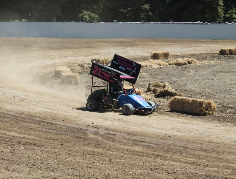 Humboldt Outlaw Karts Offered Wild Action Saturday – Redheaded Blackbelt