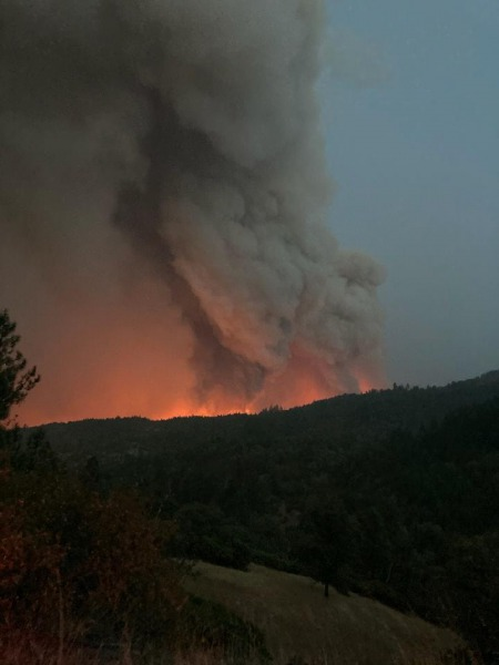These photos were taken earlier today 9/23/2020, which shows the fire activity that triggered the expanded Evacuation are in the #AugustComplexWestZone